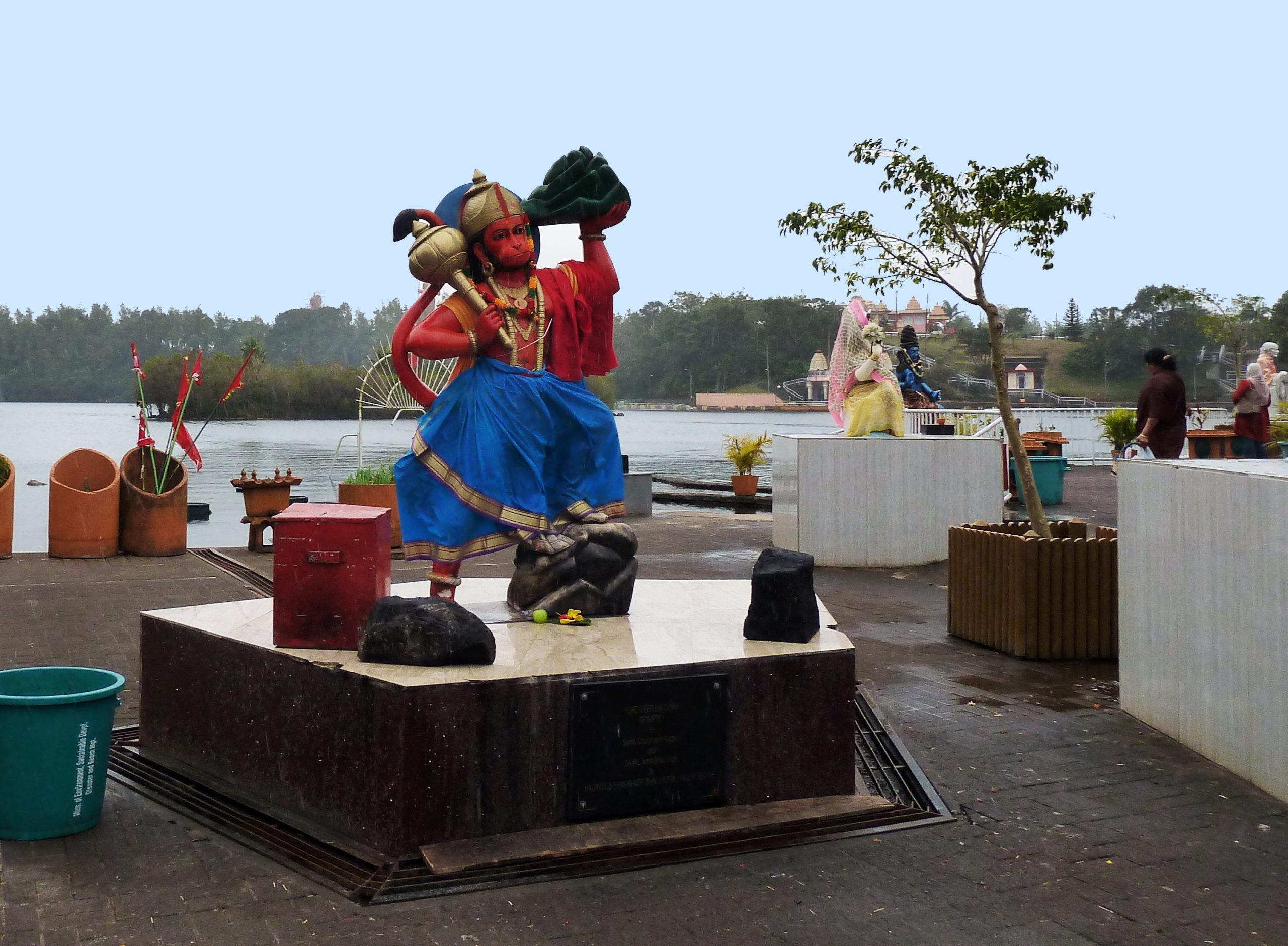 P1240272 tempio indu lago