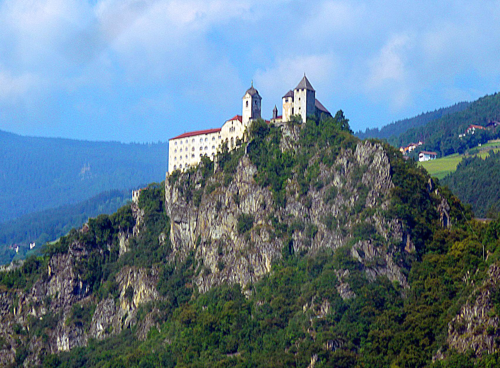 aP1280329 Trentino castello piccola